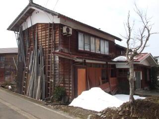 南魚沼市大崎 N様 木造瓦茸二階建 69坪 143万円